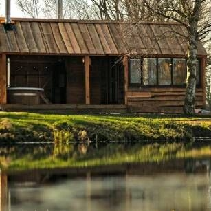 A beautiful and unique tiny wooden house for holiday let in the heart of rural Warwickhsire.