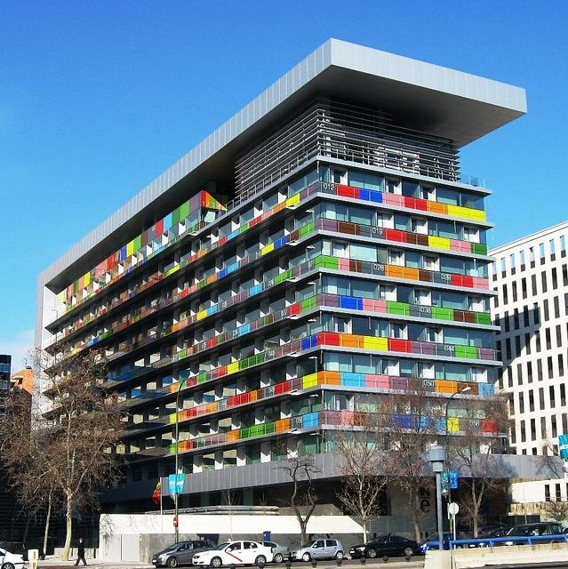 Edificio del Instituto Nacional de Estadistica, Madrid by Cesar Ruíz-Larrea