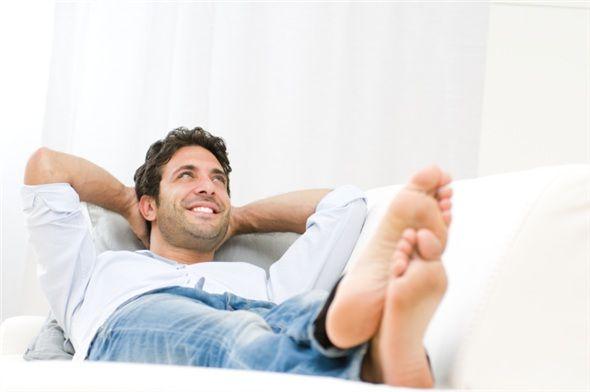 Akşam eve geldiğinizde günün stresini atmak için kendinize vakit ayırmaya özen gösterin.