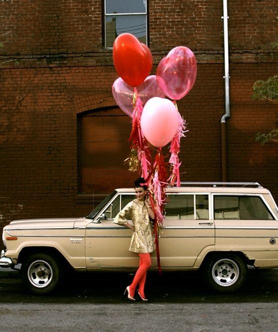 Esta guía te ayudará a hacer los mejores regalos DIY  http://bodasnovias.com/manualidades-para-regalar-a-tu-novio-en-san-valentin/4536/#