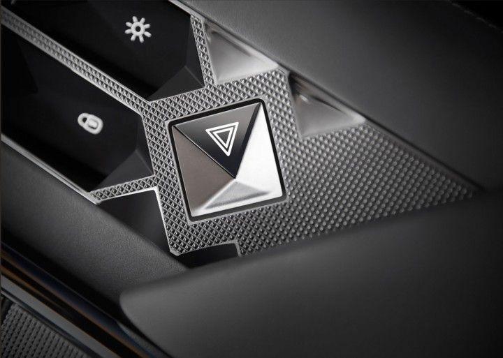 DS E-Tense Concept Interior - clous de Paris pattern