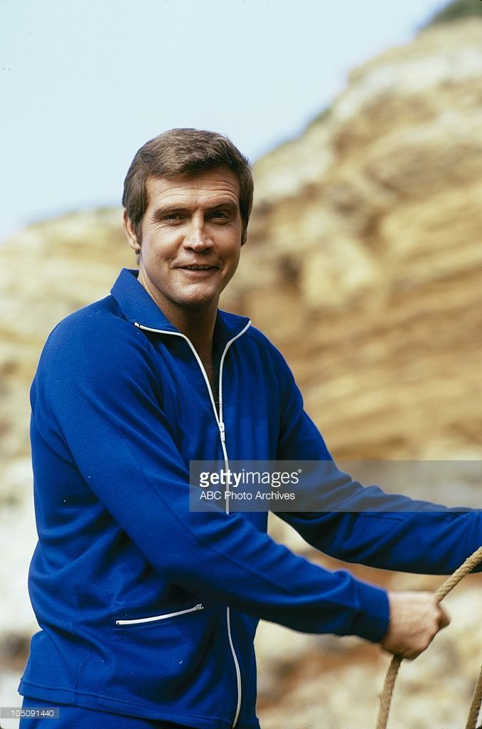 """OMGoodness! Lee is adorbs here!!!!! ❤️ 1974 Lee as Col. Steve Austin on """"The Six Million Dollar Man"""""""
