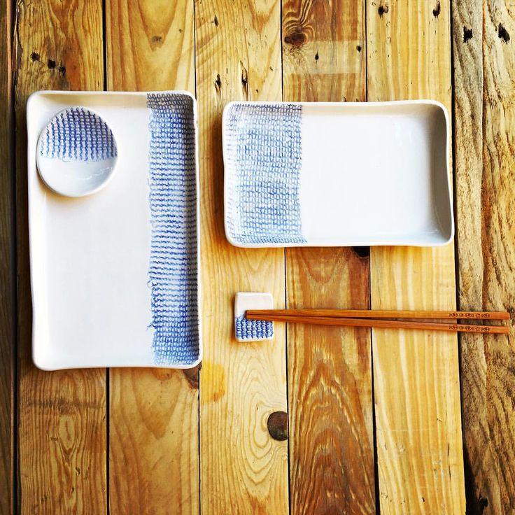 """Sushi set, contemporary art, ceramic, 189 Me gusta, 18 comentarios - Carol (@carolabarroch) en Instagram: """"#sushiset #ceramica con textura apta para lavavajillas, ven a disfrutar esta tarde noche de 19h a…"""""""