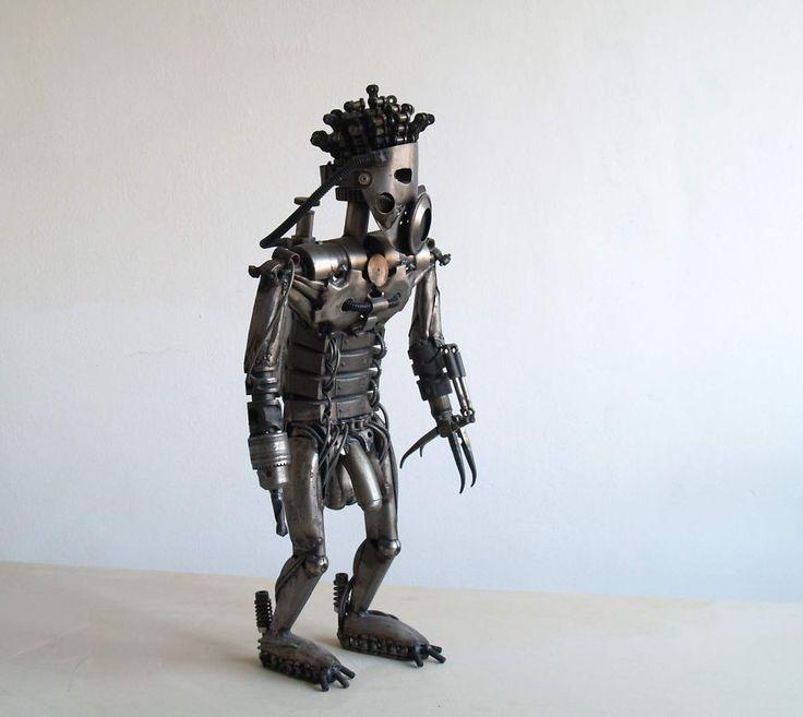 Recyclage de pièces de motos en sculptures danimaux steampunk   recyclage de vieilles pieces de voitures et de motos en sculpture d animaux steampunk tomas Vitanovsky robot 2