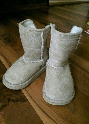 Kupuj mé předměty na #vinted http://www.vinted.cz/deti/holky-boty/13597919-krasne-detske-valenky-zn-hm