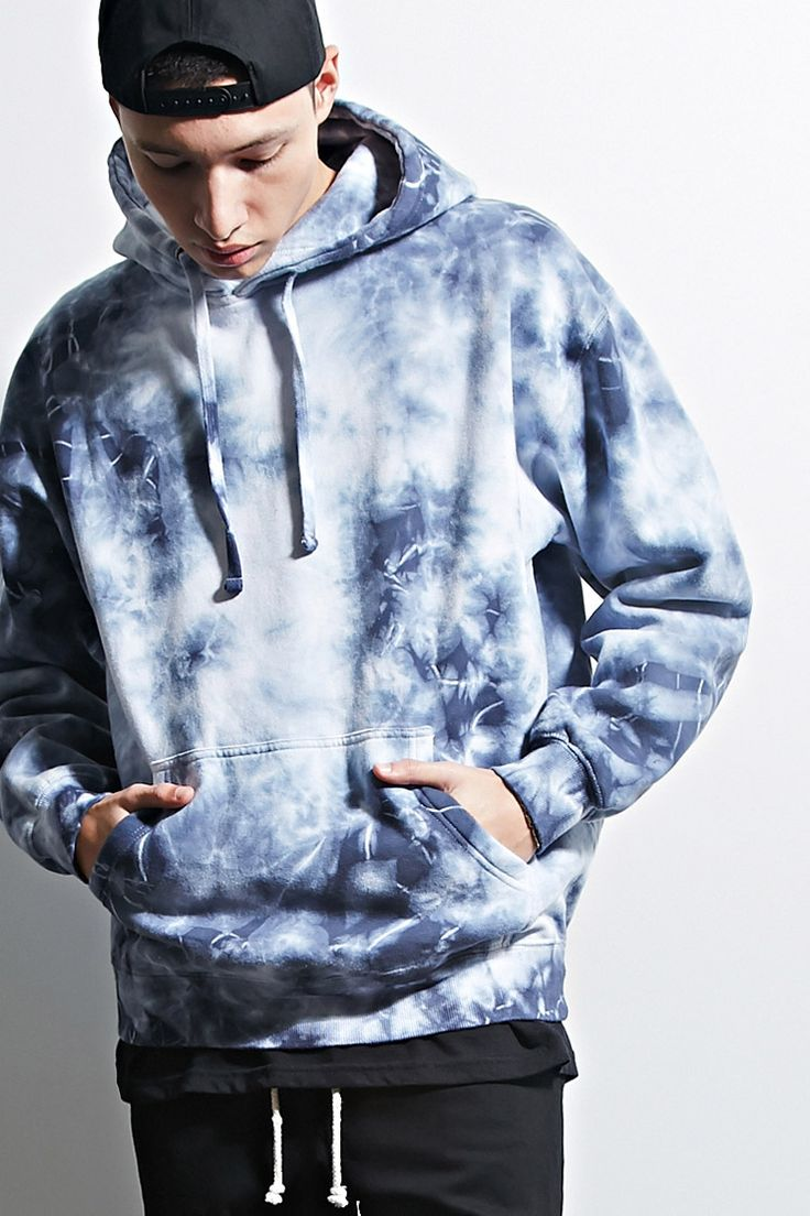 A fleece knit hoodie by EPTM.™ featuring an allover tie dye design, a drawstring neckline, a kangaroo pocket, ribbed trim, and long sleeves. Trendy Hoodies, Cool Hoodies, Cool Shirts, Tie Dye Hoodie, Tie Dye T Shirts, Reverse Tye Dye, Moda Tie Dye, Forever21, Tie Dye Crafts