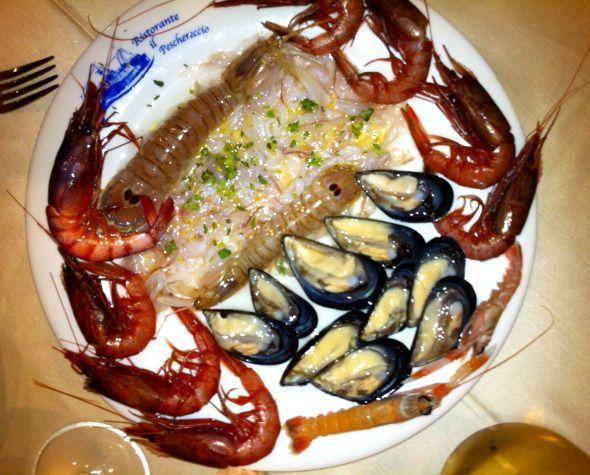 Cruditè di pesce | Il Peschereccio | Lecce, Puglia  #cruditè #pesce #mare #ristorante #dovemangiare #puglia #lecce #italy #foodtripandmore