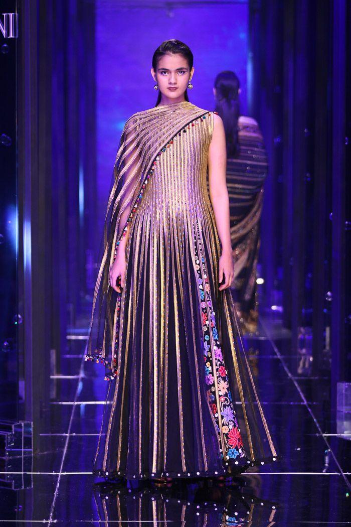 Tarun Tahiliani 2018 | Wardrobe in 2019 | Fashion, Tarun ...