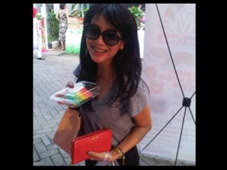 Dea Ananda likes BiteMe Rainbow Cake