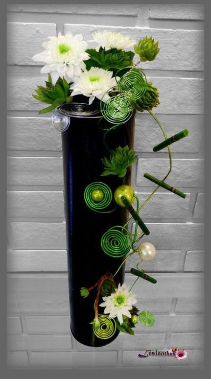 Tube Chrysantèmes & spirales de fil                                                                                                                                                                                 Plus