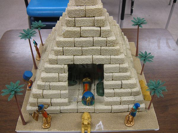 egyptian craft ideas school project pyramid school project http 1949