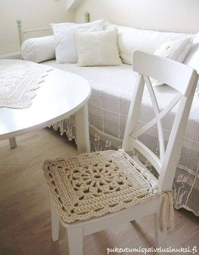 17 best images about crochet couch chair covers on for Cojines para sillas
