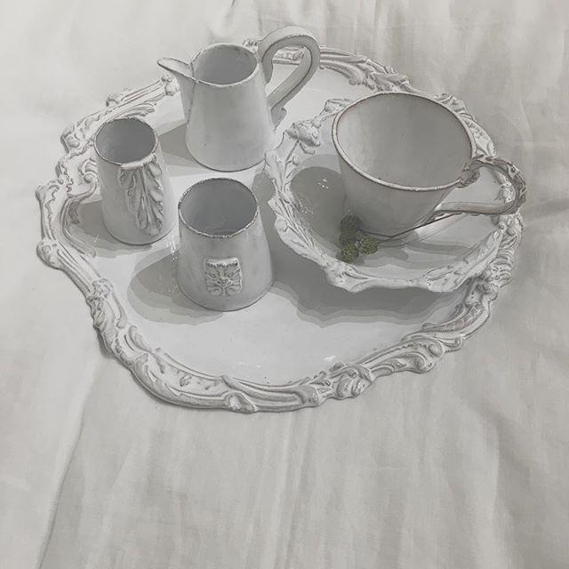 .  ジベアドゥベ  .  ジベの食器でティータイム ⚚ .  したい。。。  .  .  #ジベアドゥベ  #France  #Paris  #陶器  #アスティエ  #ルギャール  #テーブルコーディネイト  #francjour  #東急プラザ銀座