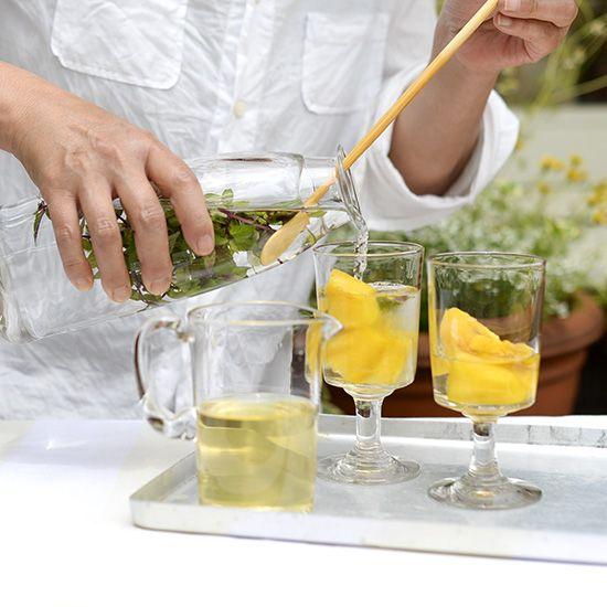 【自家製シロップレシピ】カットして漬け込むだけで夏の味。パイナップル×ハーブのシロップ。