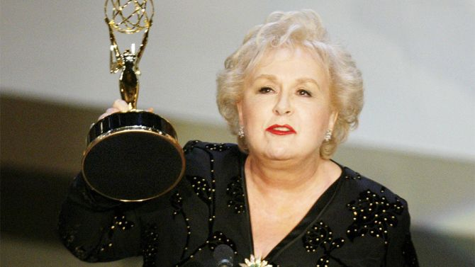 """Doris Roberts a character actress who labored honorably both on stage and screen for years before finding the perfect vehicle for her talents, the hit sitcom """"Everybody Loves Raymond,"""" died on Sunday. She was 90."""