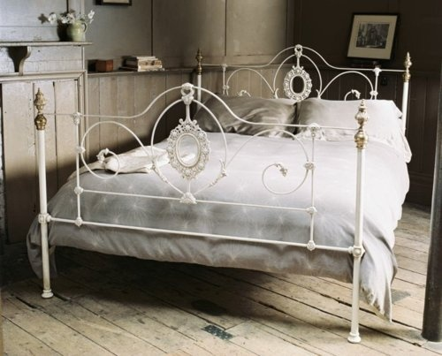 white iron bed frame; absolutely love this romantic bed :))