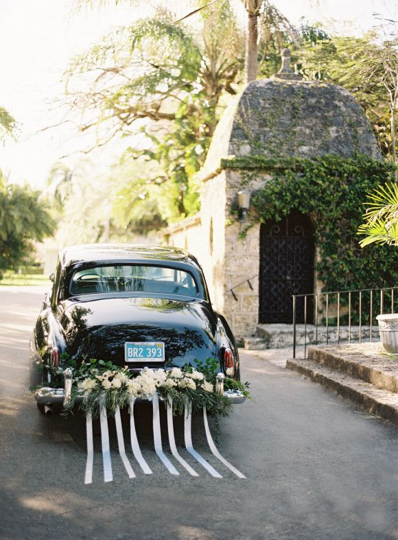 Elegant garden wedding ideas ~ Ozzy Garcia Photography
