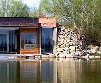 Venkvní sauna u rybníka
