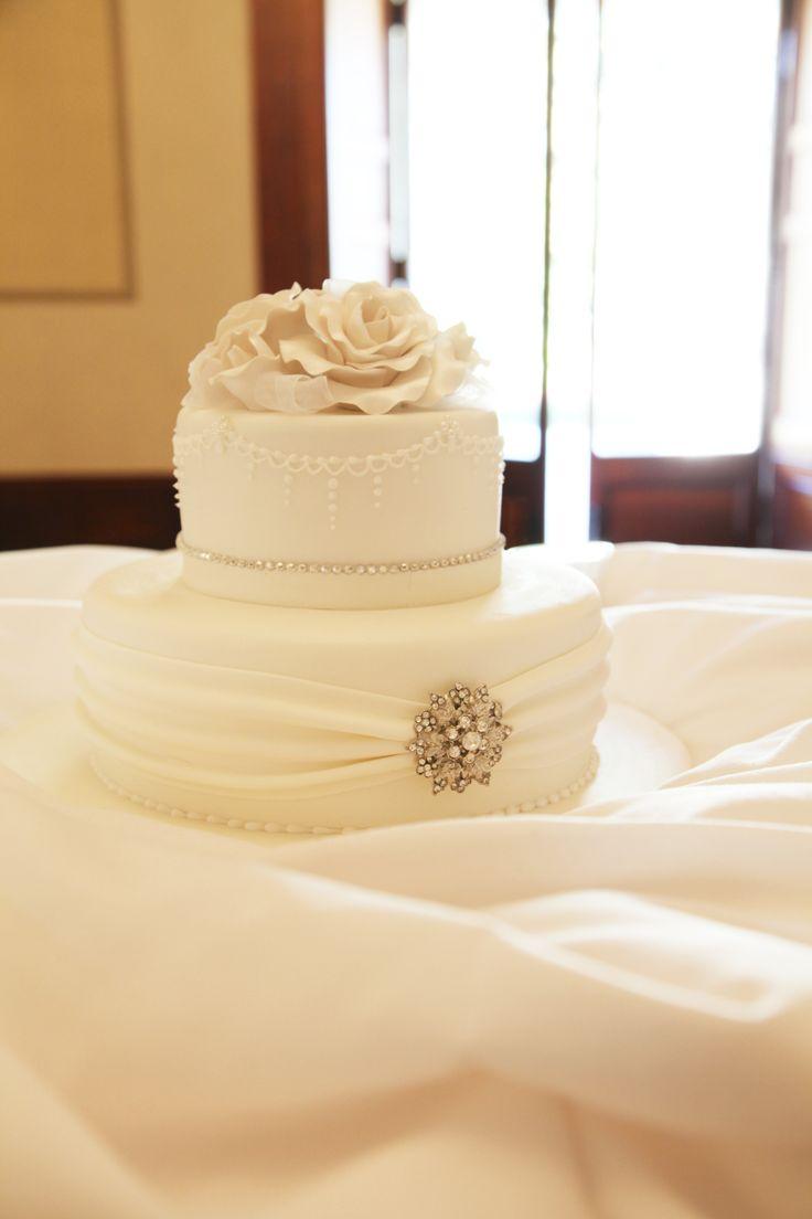 [ wedding photographer Sydney ] wedding cake  l  Oatlands House Sydney  l  wedding