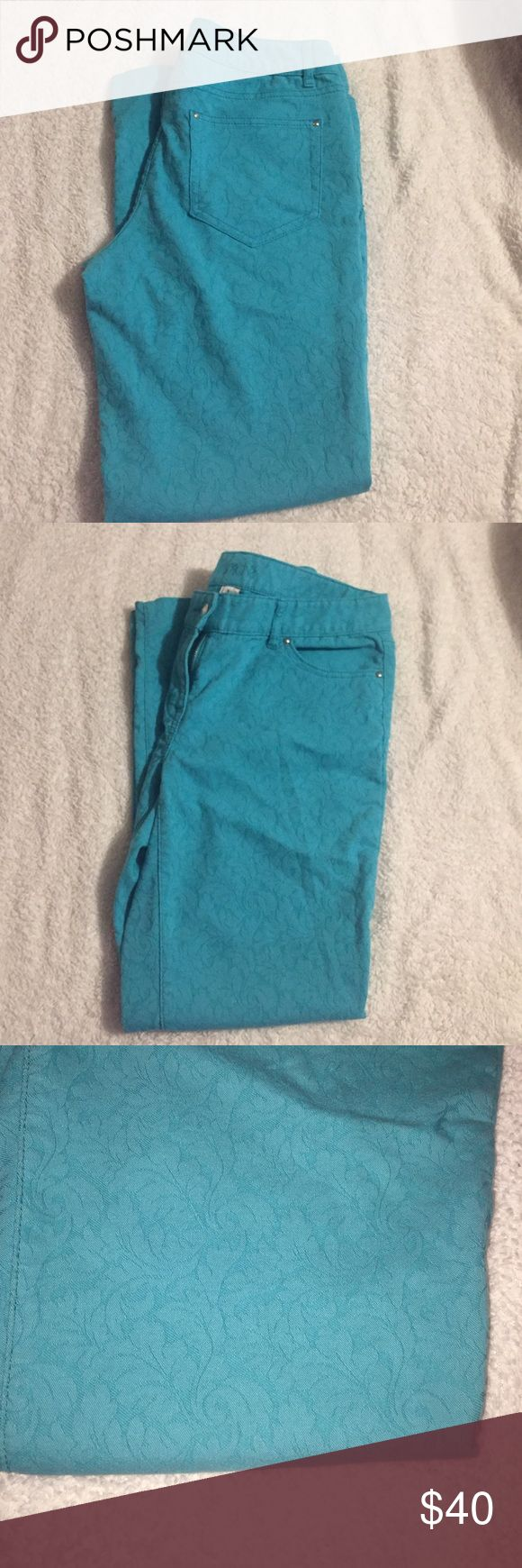 Cache cropped skinny jeans Cache cropped teal/aqua skinny jeans with lace detailing all over. Only worn once, great condition Cache Jeans Ankle & Cropped