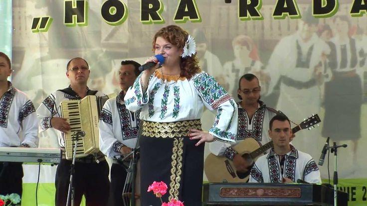 "Loredana Bolohan si Ansamblul ""Trandafirul"" la Festivalul ""Hora Radaseni..."
