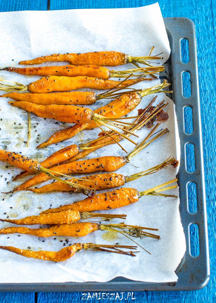 Black sesame roasted carrots