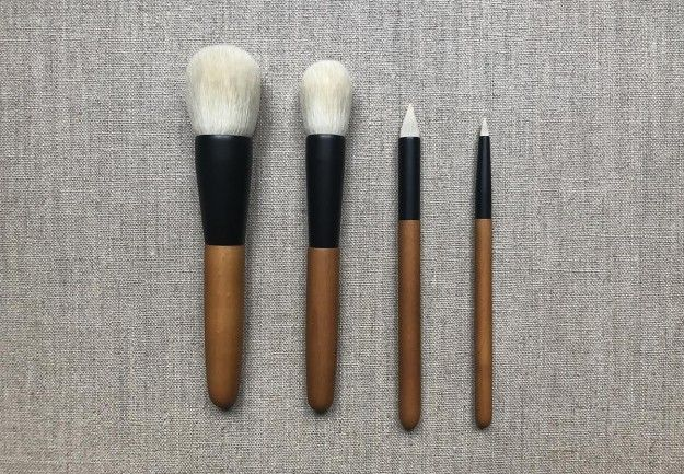 """These premium quality hair brushes are handmade by skilled craftsmen. They rely on a combing technique called """"sarahe dour"""" which allows them to select the best hair and to exclude those who do not have the required quality to make good brushes. #brush #japan #japanesebrush #makeupbrush #wildcherry #goathair #everyday #soft #extreme #black #cerisier #pinceau #japonais #artisanal"""