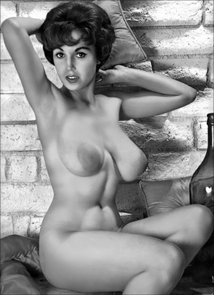 topless nude cute girl