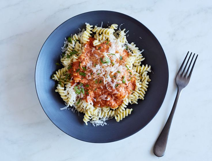 Slightly creamy, slightly spicy, and totally comforting, this classic Italian-American sauce is always a crowd-pleaser.