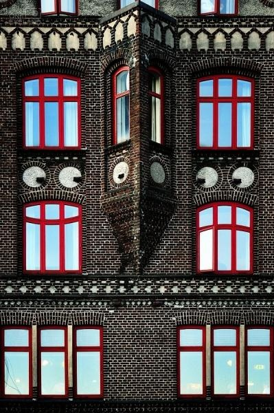 Window Smiley by Michel Bochet Merand