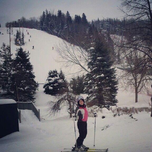 Skiing mont st sauveur