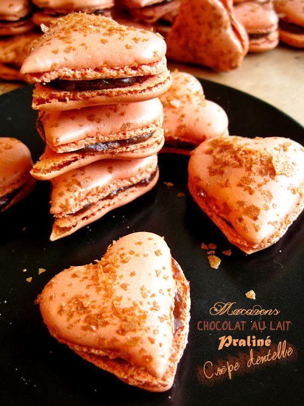 Il était une fois la pâtisserie...: Macarons cœurs au chocolat au lait, praliné et crêpe dentelle http://www.iletaitunefoislapatisserie.com/2013/11/macarons-coeurs-au-chocolat-au-lait.html