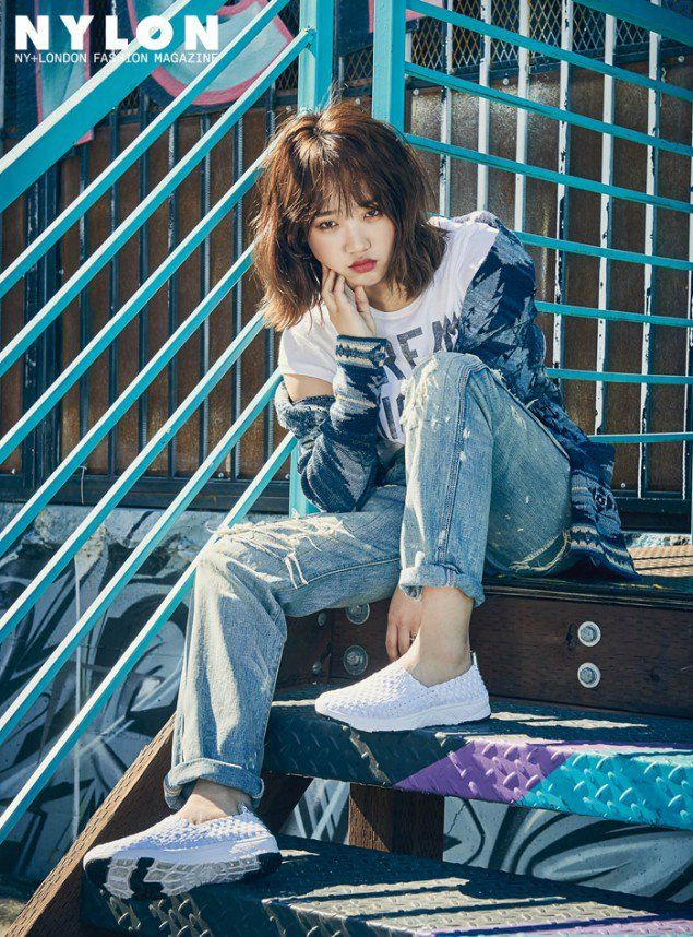 Choi Yoo Jung and Kim Do Yeon brighten up the streets of Los Angeles for 'Nylon' | allkpop.com