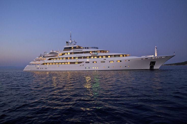 O'MEGA | Luxury Yacht Charters