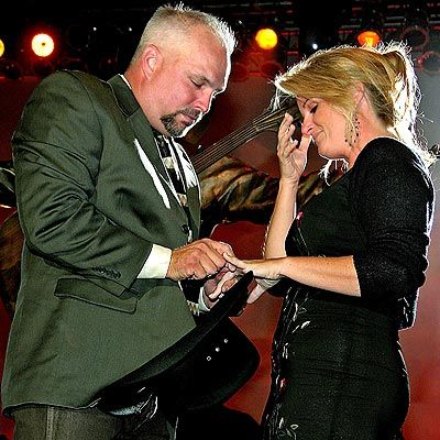 17 best images about garth brooks chris ledoux and for Garth brooks trisha yearwood songs
