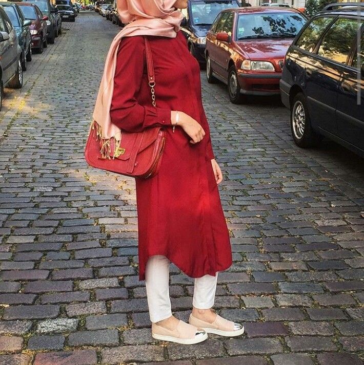 Hijab fashion. Would replace heels for flats and with looser trouser.
