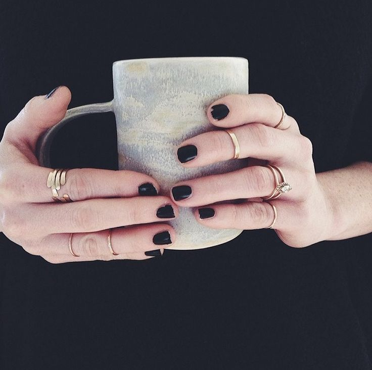 black mani + stacking rings