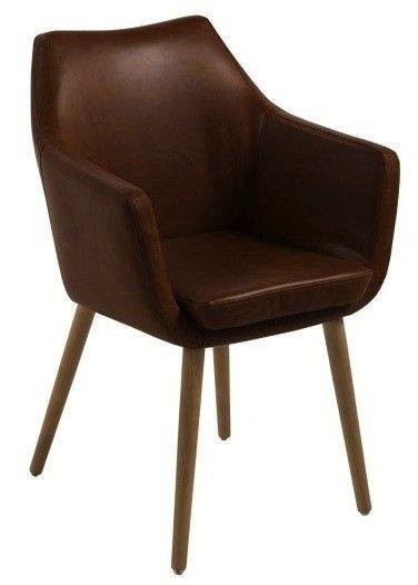 Amada+Spisebordsstol+-+Brun+-+Klassisk+spisebordsstol+i+brunt+kunstlæder.+Stolen+har+behagelige+armlæn+og+står+på+elegante+olierede+egetræsben,+der+giver+stolen+et+vintage+look.
