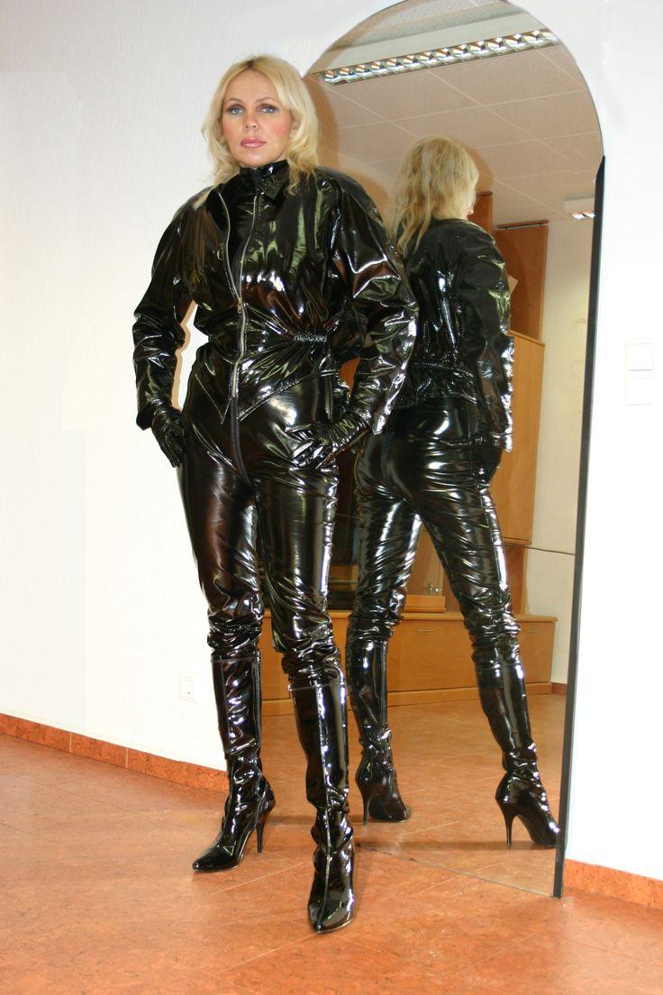 Redhead Dominatrix Mistress In Leather