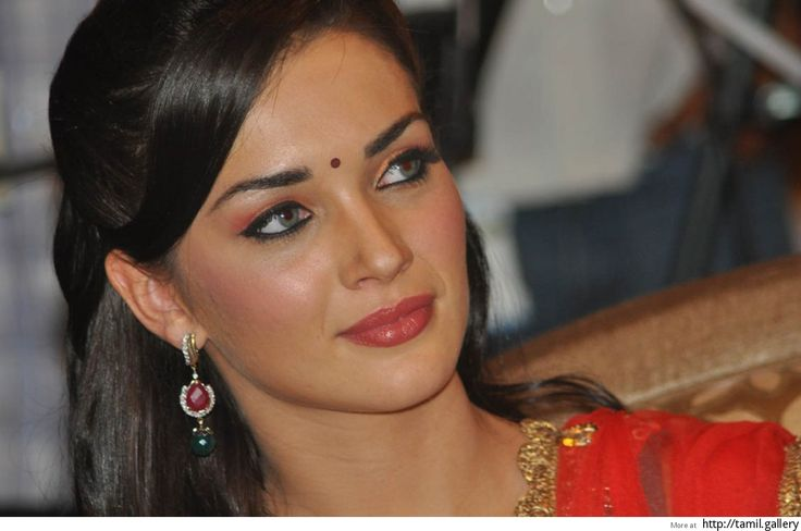 Amy Jackson's slapshot reply to a netizen - http://tamilwire.net/52094-amy-jacksons-slapshot-reply-netizen.html