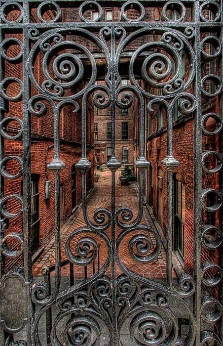 .Gateway to heaven? Love this ironwork