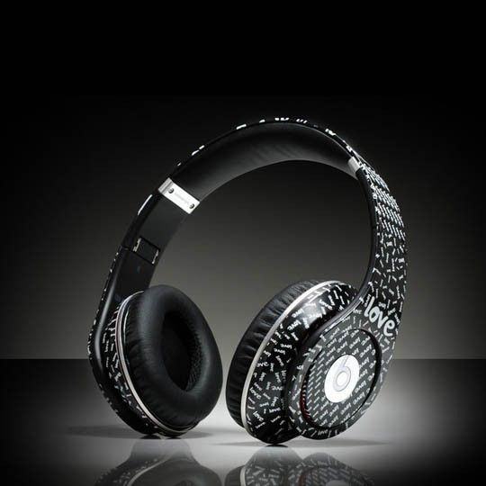 Monster beats by dre studio LOVE headphones  http://www.saleheadphone2u.com/monster-beats-by-dre-studio-love-headphones.html