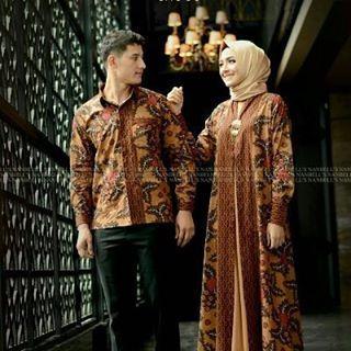 "44 Likes, 1 Comments - GamisSyariPestaBrandedOriginal (@bazaarhijabmukena) on Instagram: """"ZAFIR Couple by Nanbells  gaun mewah bernuansa batik dengan motif yg sangat cantik. Outher dan…"""
