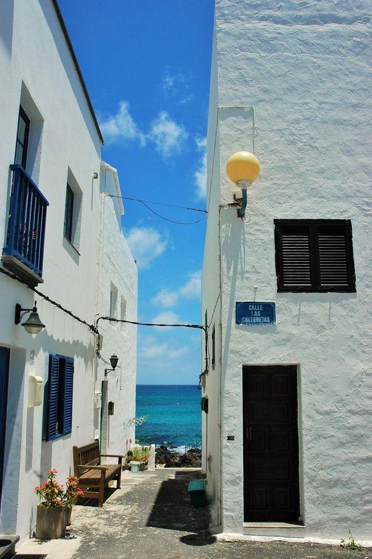 Calles de Punta Mujeres Vía @unbilletedeida Oscar Presilla #Lanzarote #PuntaMujeres #Islascanarias