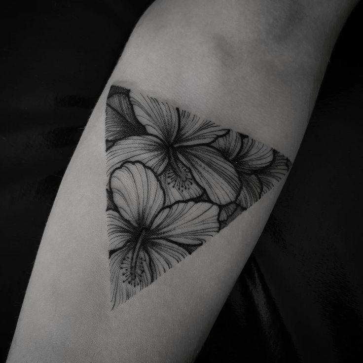 Hibisco Flower triangle tattoo