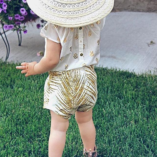 Such a great picture by @2peasinapodco. 💛✨ Fabric design by #mirabelleprint.