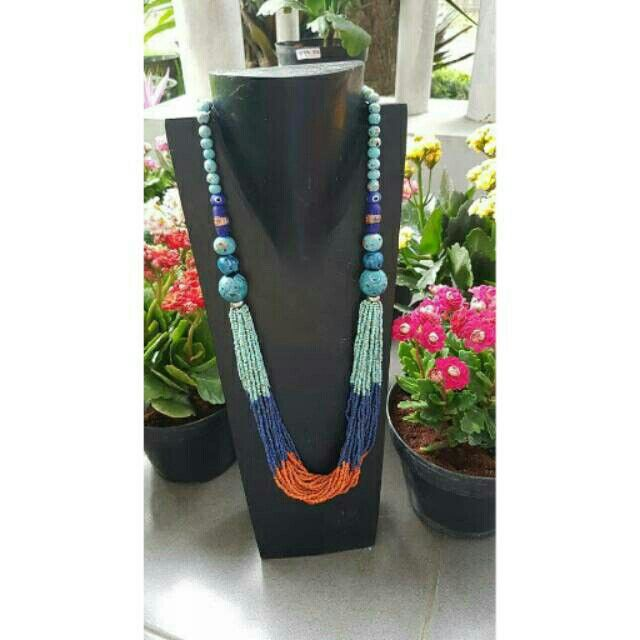 Kalung etnik khas kalimantan