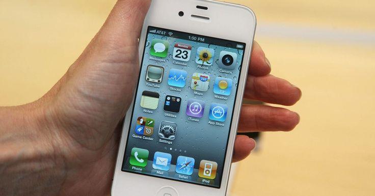 Como desativar o som da câmera do iPhone. Toda vez que tirar uma foto com a câmera do iPhone, o dispositivo emite um som digital que imita o barulho de uma câmera real. Embora possa diminuir o volume do iPhone através de suas configurações, isso não afeta o som da câmera. Se quiser desabilitar esse som, pode fazer colocando o aparelho em modo silencioso.