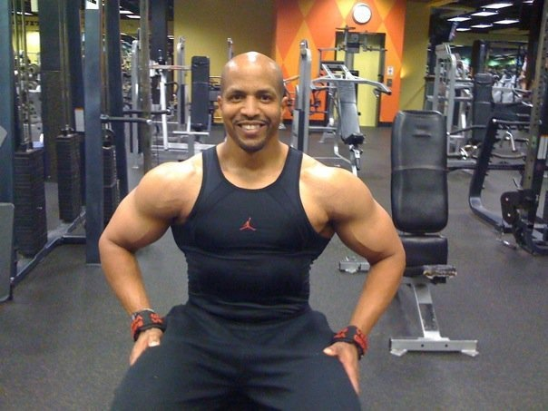American Powerlifting Deadlift Record Holder Weighs in on Isagenix | IsaFYI