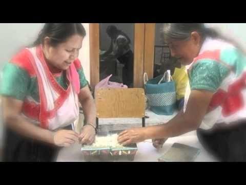 Arte plumaria Museo Textil de Oaxaca - YouTube